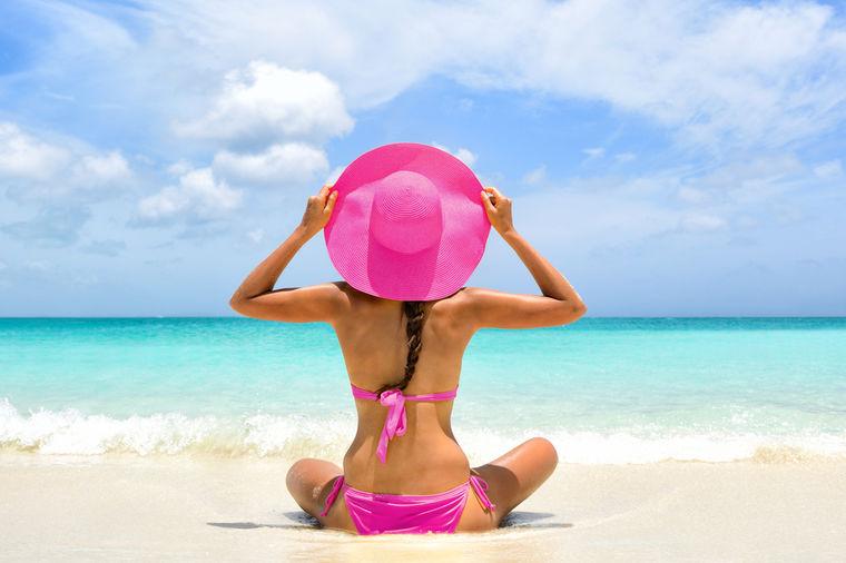 Devojka na plaži, Foto: Shutterstock