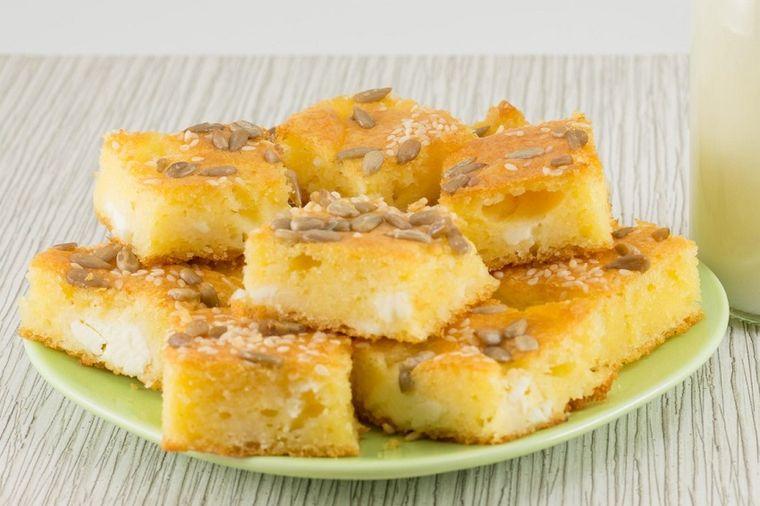 Slatka sirnica: Nećete verovati koliko će vam se svideti ukus ove pite! (RECEPT)
