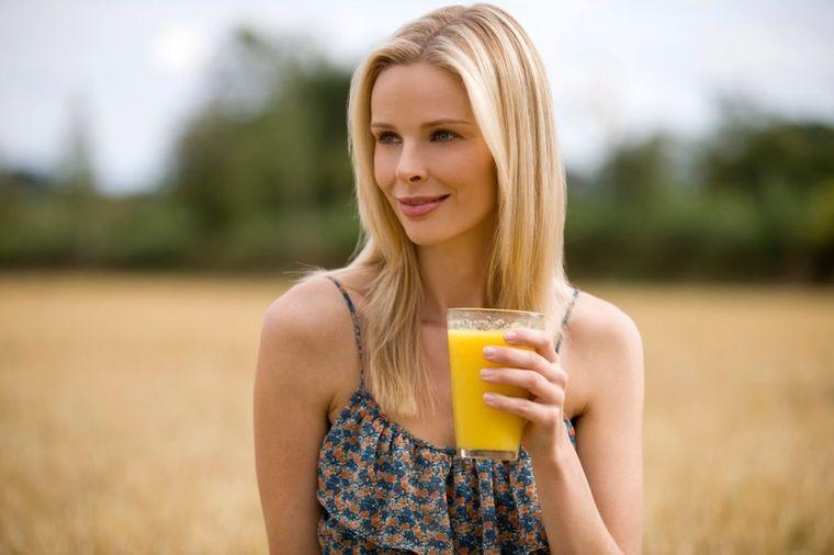 Alkalni sok oporavlja telo za 1 dan: Creva se potpuno čiste, teške bolesti se ublažavaju! (RECEPT)
