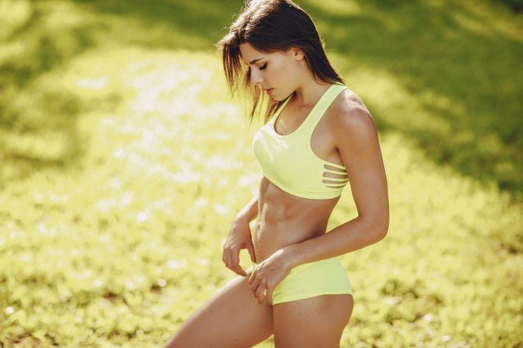Vežba kojoj nema ravne: Za 60 sekundi topi stomak, od trbušnjaka pravi čelik! (VIDEO)