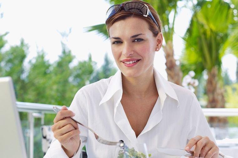 Namirnice koje nikad ne treba jesti za ručak: Remete nivo šećera u krvi, izazivaju letargiju!