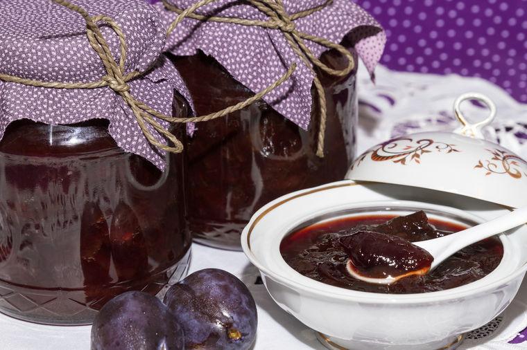 Najbolji recept za slatko od šljiva: Svaka prava domaćica treba da ga zna!