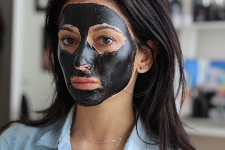Koža bez mitisera: Očistite lice ovom specijalnom maskom za samo 30 min!