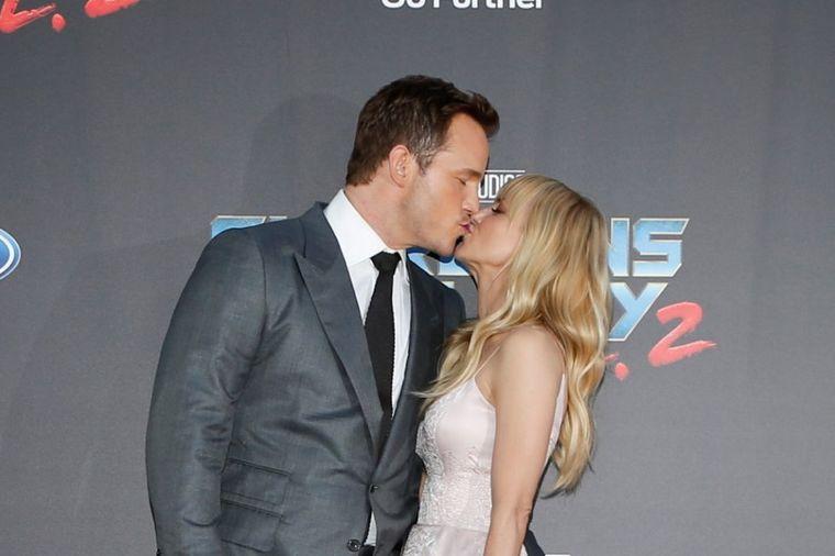 10 godina im nije bilo ravnih u Holivudu: Slavni par stavio tačku na brak! (FOTO)