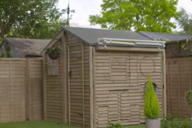 Pokazao prijateljima novu šupu u dvorištu: Ostali bez teksta kada je otvorio! (VIDEO)