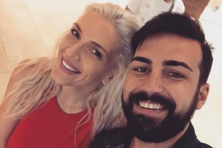 Nikolina i Saša Kapor zvezde celog primorja: Zašto su svi gledali u poznati bračni par! (FOTO)