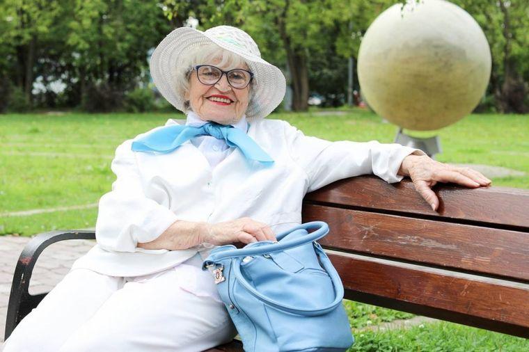 Ruskinja (90) ne pije lekove, i nikad ne kuka: Njen savet za sreću raspametio je ceo svet! (FOTO)