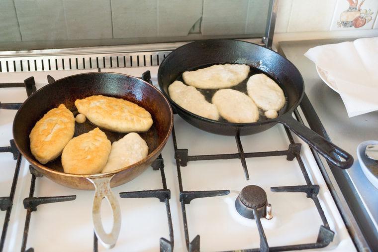 Najukusnije posne mekike: Brzo i meko testo za doručak ili večeru! (RECEPT)