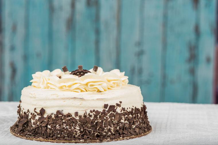 Torta Beli anđeo: Moćna i izdašna poslastica samo za najdraže goste! (RECEPT)