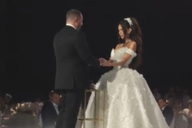 Ruska svadba najskuplja u 2017: Milijarder oženio Kseniju, darivao je preskupim poklonom! (FOTO)