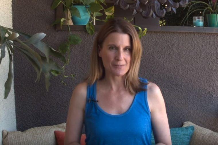 Od obične terase iznajmljenog stana napravila raj: Bez bušenja, sa minimalnim budžetom! (VIDEO)
