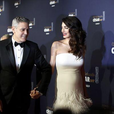 Amal Kluni kakvu do sada nismo videli: Bez trunke šminke u sportskoj kombinaciji! (FOTO)