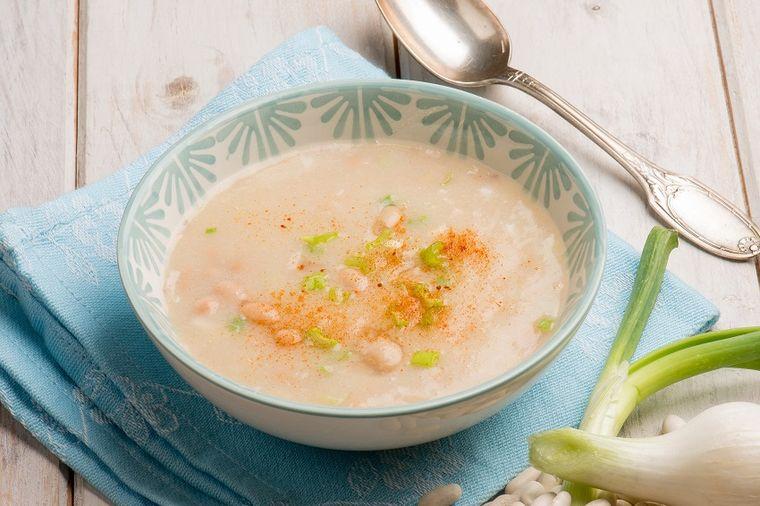 Posna krem supa od pasulja: Ukus zbog kojeg ćete zavoleti kuvanje! (RECEPT)