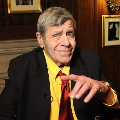 Preminuo legendarni komičar Džeri Luis (91)