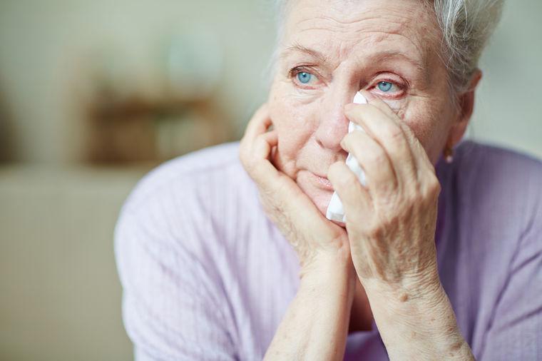 Pišem vam tužna i skrhana, sebična i uplašena: Savet bake (65) svaka žena treba dobro da zapamti!