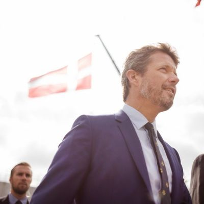 Nemaš ličnu, marš iz kluba! Nezapamćeni skandal u kraljevskoj porodici! (FOTO)
