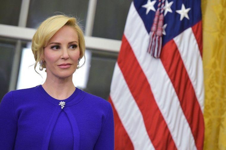 Bahata žena Trampovog ministra: Javnost hoće da je rastrgne, pogledajte zašto! (FOTO)