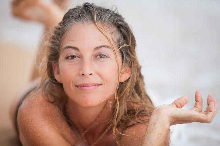 Zašto kosa sedi pre vremena: Ima rešenja, proverite jedan vitamin!