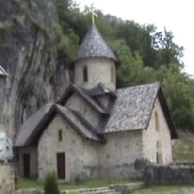 U manastiru Kumanica bolesni nalaze lek: Isceliteljske moći moštiju svetog Gavrila! (VIDEO)
