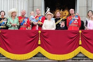 10 najčudnijih pravila kojih se pridržavaju članovi kraljevske