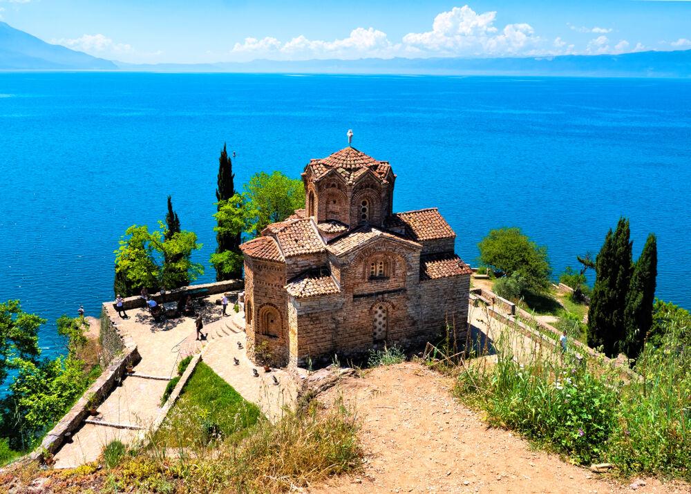 Magični Ohrid: Makedonsko more ima crkava koliko u godini dana!