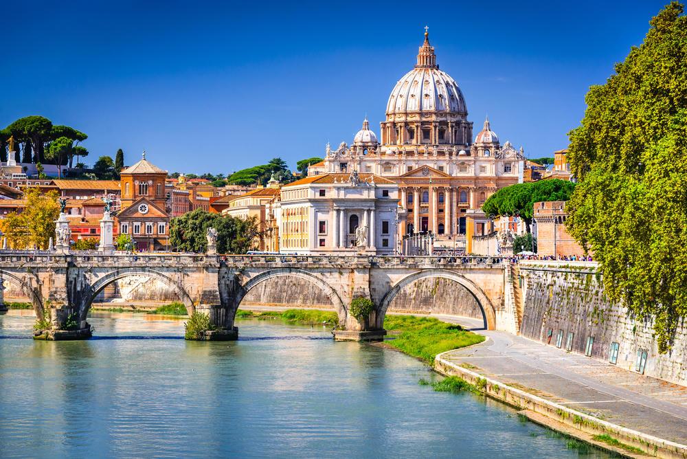 Jedina država na svetu u kojoj se deca ne rađaju: Sve što niste znali o Vatikanu!