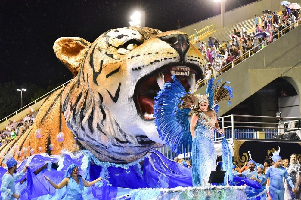 Karneval u Rio de Žaneiru: Sve je podređeno zabavi, plesu i uživanju! (FOTO)