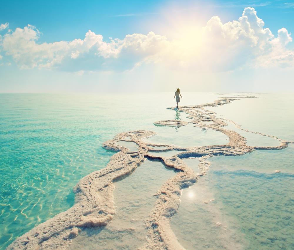 7 zanimljivosti o mrtvom moru: Impresivno čudo prirode u kojem je nemoguće potonuti!