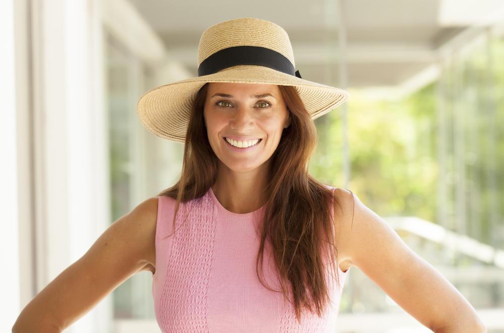 žena, šešir, smeh, osmeh, srećna žena