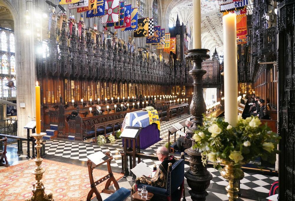BRITANIJA U SUZAMA, MUK PREKINE SAMO PO KOJI JECAJ: Poslednje zbogom voljenom vojvodi od Edinburga!(FOTO)